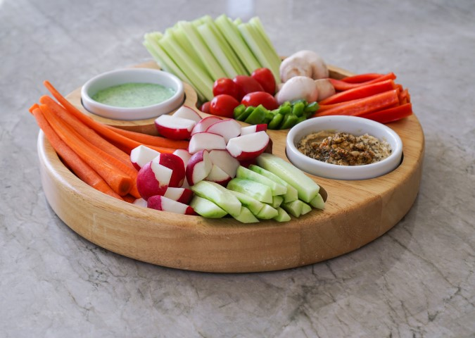 dips and fresh vegetable sticks